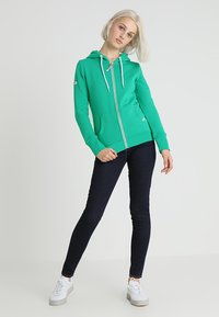 Superdry - ATHLETIC ZIPHOOD - Bluza rozpinana - city green - 1