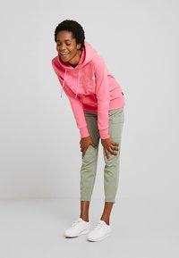 Superdry - PREMIUM GOODS TONAL INFILL ENTRY HOOD - Hoodie - neon pink - 1