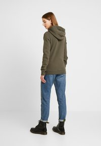 Superdry - LOGO OMBRE SEQUIN ENTRY HOOD - Jersey con capucha - washed khaki - 2