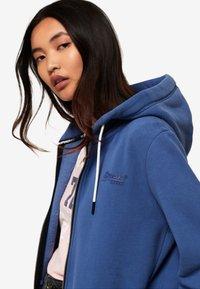 Superdry - ORANGE LABEL - Zip-up hoodie - blue - 3