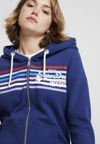 Superdry - À CAPUCHE VINTAGE LOGO RODEO - Zip-up hoodie - bleu marine intense - 3