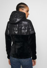 Superdry - STORM PANEL HYBRID - Summer jacket - black - 2
