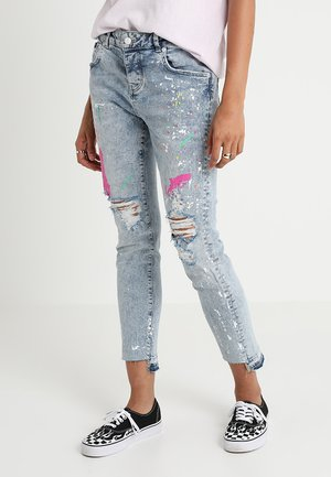 RILEY GIRLFRIEND - Jeansy Relaxed Fit - cove blue
