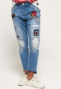 Superdry - RILEY GIRLFRIEND - Relaxed fit jeans - cruiser blue - 0