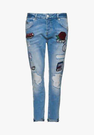 RILEY GIRLFRIEND - Jeansy Relaxed Fit - cruiser blue