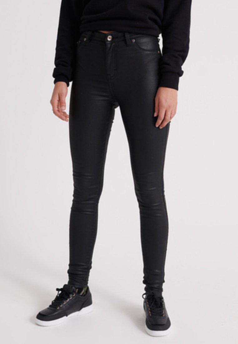 Superdry - MIT BESCHICHTUNG  - Jeans Skinny Fit - black