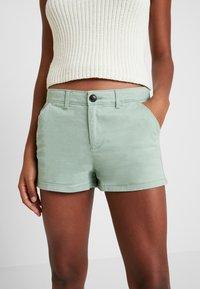 Superdry - Shorts - frosty gree - 3