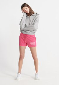 Superdry - SUPERDRY TRACK & FIELD SHORTS - Shorts - fuchsia - 1