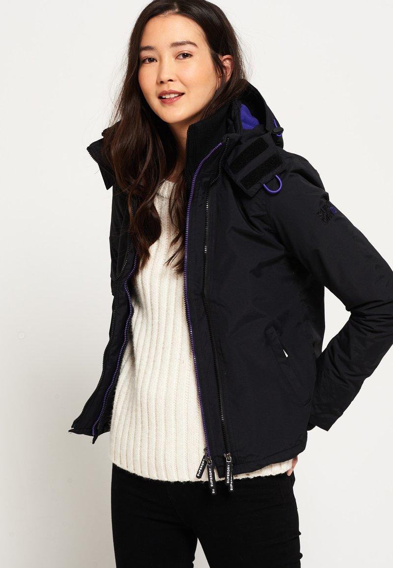 Superdry - POP ARCTIC  - Light jacket - noir/framboise