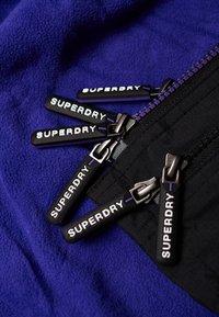 Superdry - POP ARCTIC  - Light jacket - noir/framboise - 5