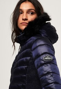 Superdry - LUXE CHEVRON FUJI  - Winterjacke - navy tansanite