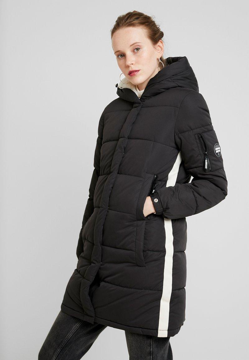 Superdry - SPHERE PADDED ULTIMATE - Zimní kabát - worn black