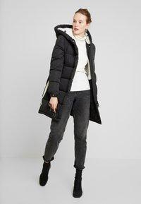 Superdry - SPHERE PADDED ULTIMATE - Zimní kabát - worn black - 1