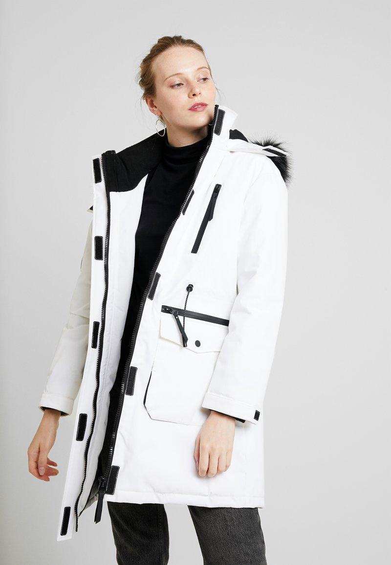 Superdry - AIKO EVEREST ICON - Winter coat - ecru