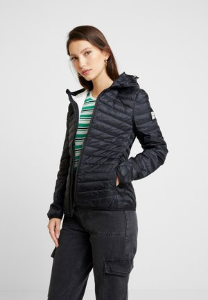 HYPER CORE JACKET - Chaqueta de plumas - eagle black
