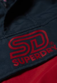 Superdry - Cortaviento - deep berry - 4