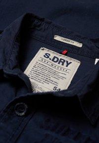 Superdry - ARMY CORPS LITE - Koszula - legion blue - 4