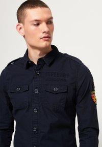Superdry - ARMY CORPS LITE - Koszula - legion blue - 2