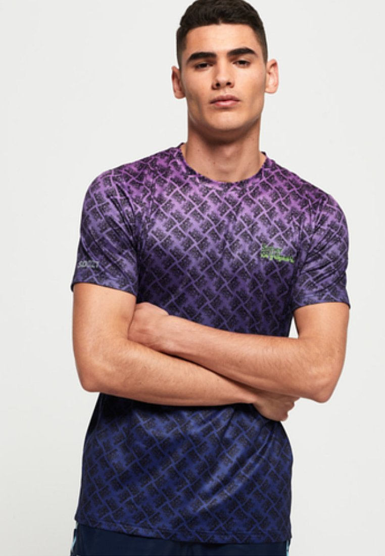 Superdry - EFFETTO SBIADITO ACTIVE OMBRE - T-Shirt print - purple