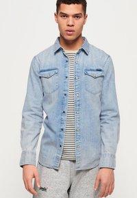 Superdry - Camisa - light blue - 0