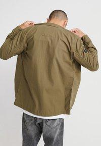 Superdry - Shirt - army green - 2