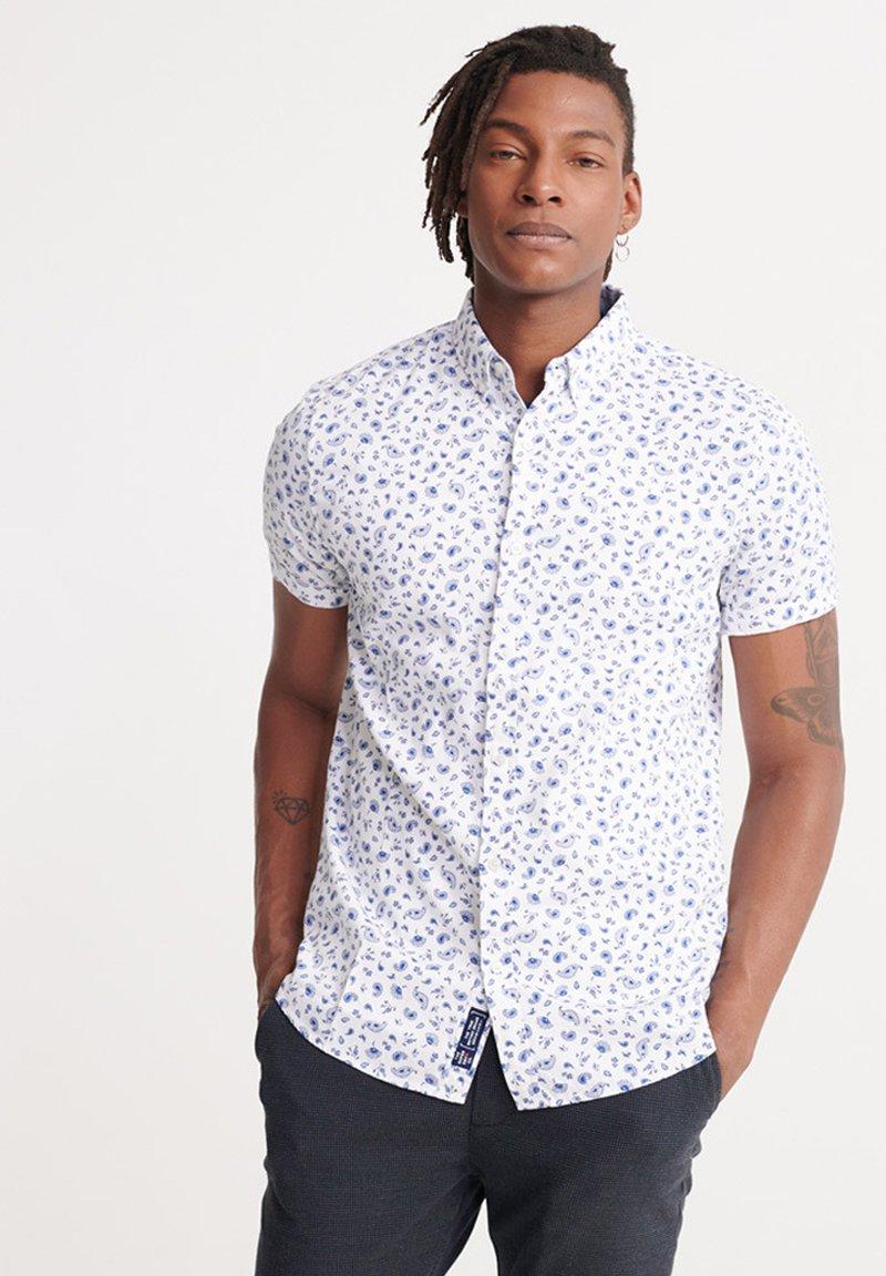 Superdry - SUPERDRY CLASSIC SHOREDITCH PRINT SHORT SLEEVED SHIRT - Shirt - white