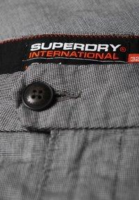 Superdry - INTERNATIONAL MERCHANT - Chino - grey - 3