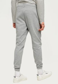 Superdry - Pantalones deportivos - light grey - 2