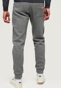 Superdry - ORANGE LABEL  - Pantalones deportivos - hammer grey grindle - 2