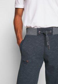 Superdry - ORANGE LABEL CLASSIC - Pantalon de survêtement - abyss navy feeder - 3
