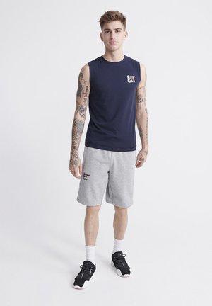 SUPERDRY CORE SPORT SHORTS - Shorts - grey