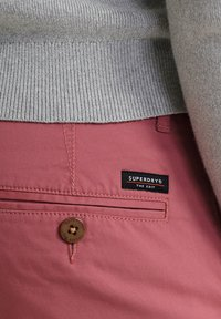 Superdry - Chinot - canyon pink - 3