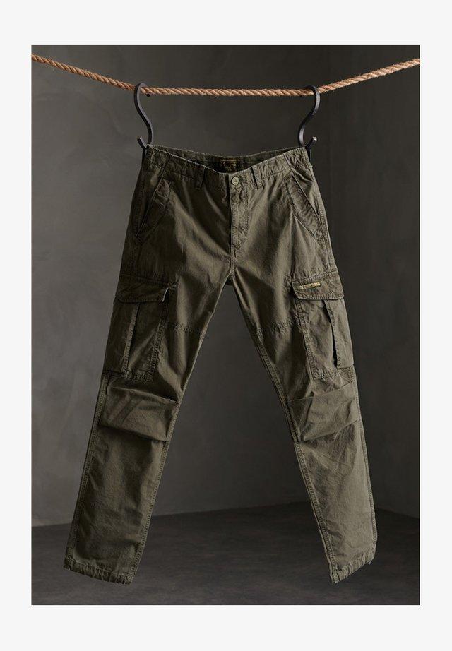 Pantaloni cargo - deep forest