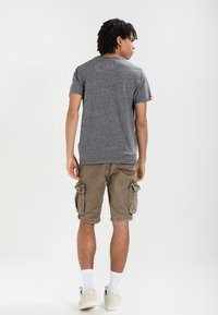 Superdry - CORE CARGO HEAVY - Shorts - dust cloud