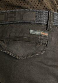 Superdry - CORE CARGO HEAVY - Shorts - beret green - 4