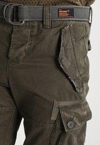 Superdry - CORE CARGO HEAVY - Shorts - beret green - 3