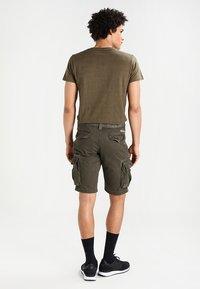 Superdry - CORE CARGO HEAVY - Shorts - beret green - 2