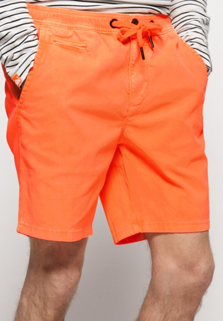 Superdry - SUNSCORCHED - Short - coral