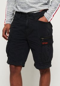 Superdry - PARACHUTE - Shorts - black - 0