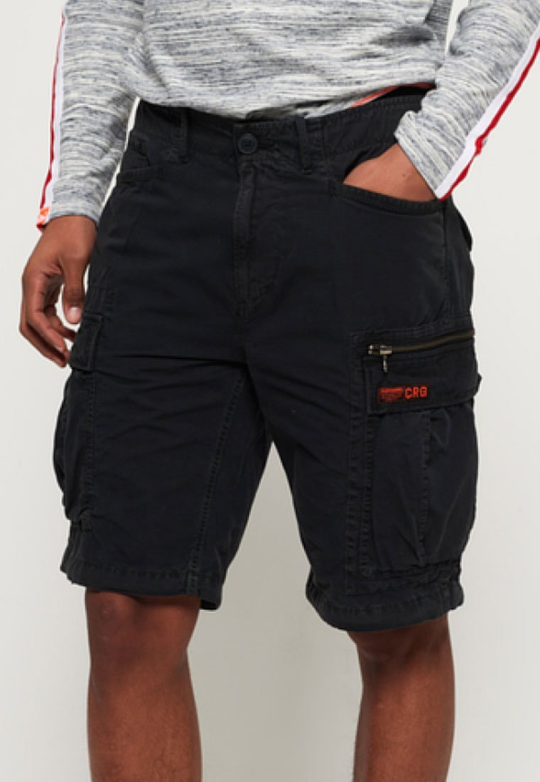 Superdry - PARACHUTE - Shorts - black