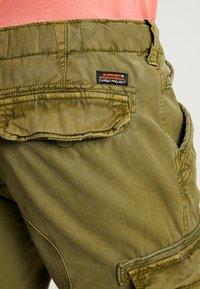Superdry - CORE CARGO LITE - Shorts - burnt sage - 5