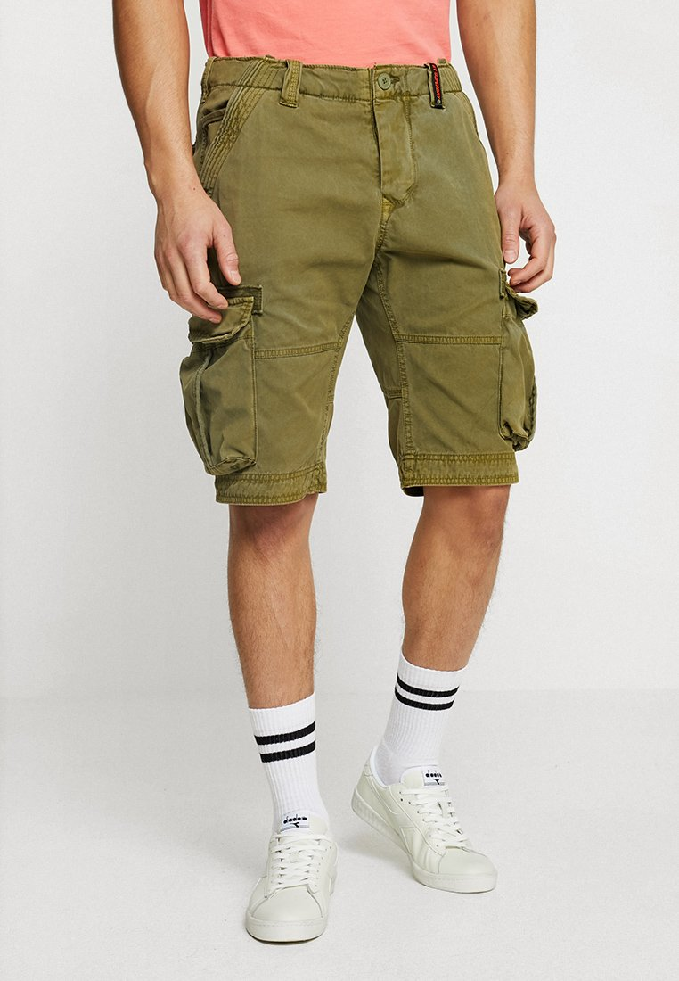Superdry - CORE CARGO LITE - Shorts - burnt sage