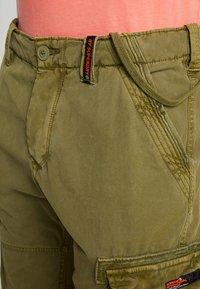 Superdry - CORE CARGO LITE - Shorts - burnt sage - 3