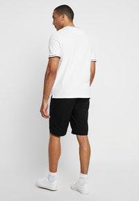 Superdry - WORLD WIDE - Shorts - black - 2
