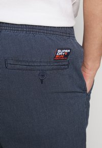 Superdry - SUNSCORCHED - Shorts - blue - 3
