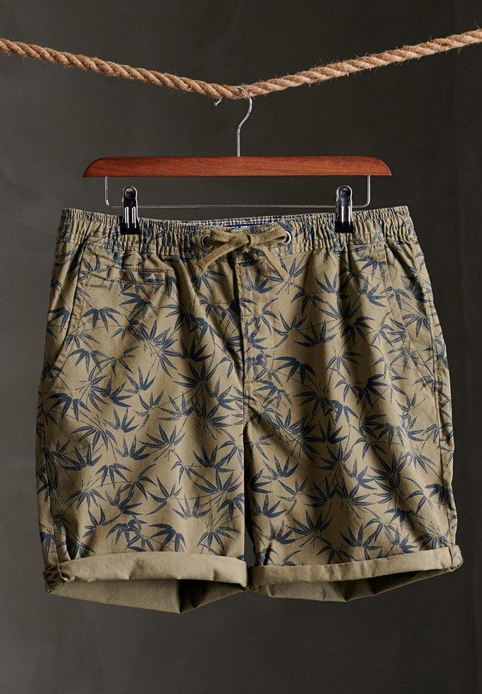 SUNSCORCHED Shorts olive akari