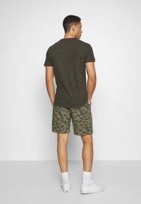 Superdry - INTERNATIONAL  - Shorts - dark green - 2