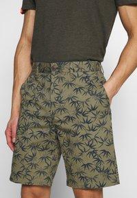 Superdry - INTERNATIONAL  - Shorts - dark green - 3