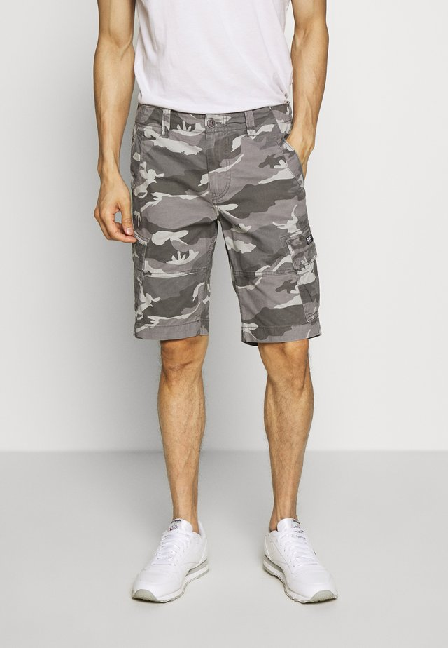 CORE CARGO SHORTS - Shorts - ice