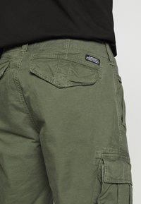Superdry - CORE CARGO SHORTS - Shorts - draft olive - 5